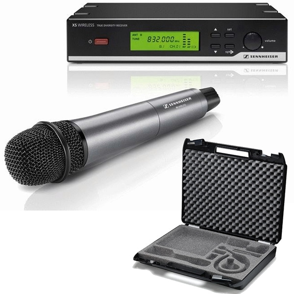 Sennheiser XSW 35-A Wireless Microphone System with CC3 Carry Case