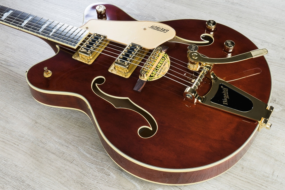Gretsch G5422TDCG Electromatic Hollowbody Double-Cutaway Electric Guitar with Bigsby and Gold Hardware - Walnut Stain
