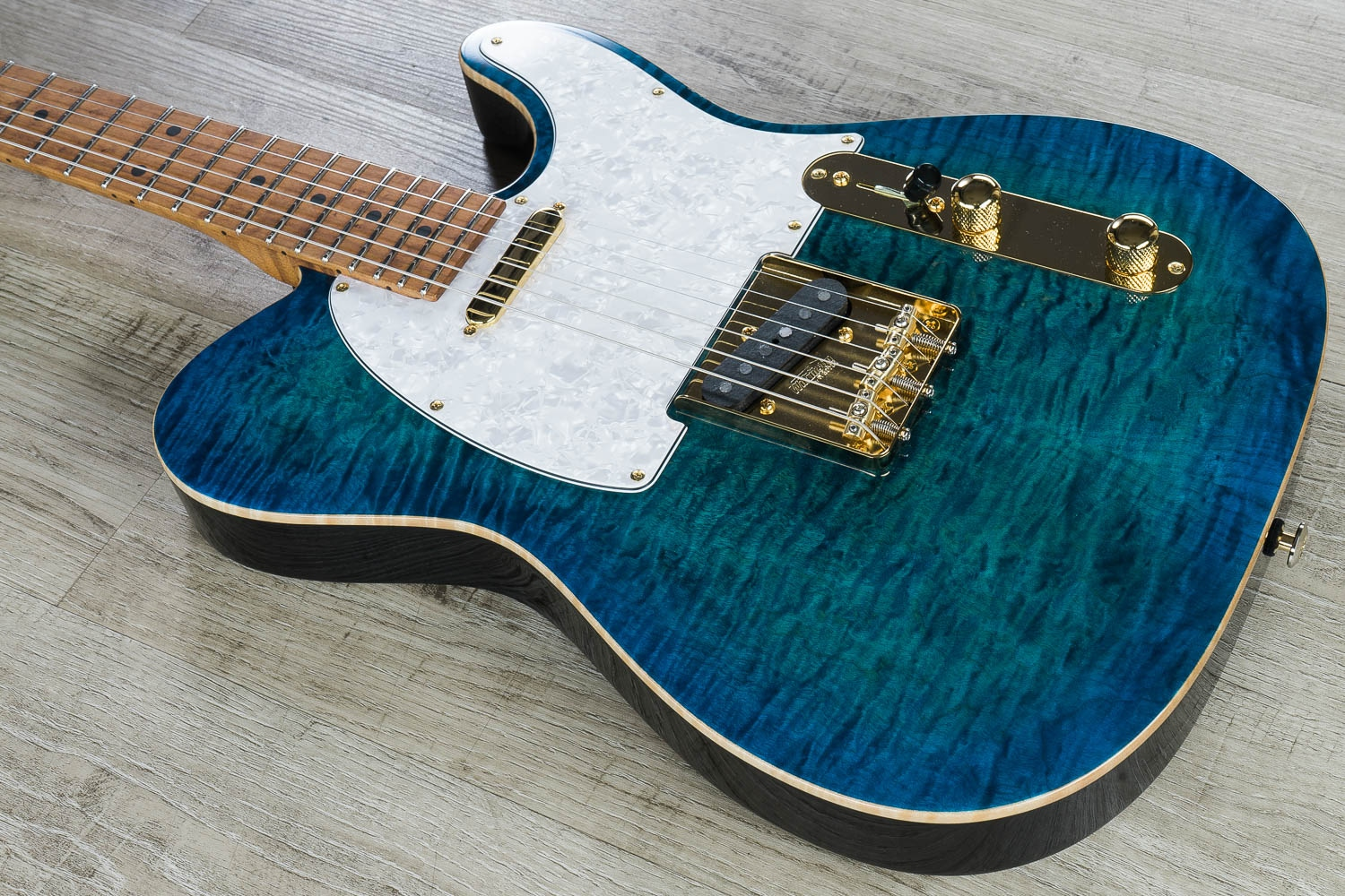 Suhr Classic T Deluxe Guitar Aqua Blue Burst Flame Maple Top Roasted Birdseye Maple Neck And Fretboard