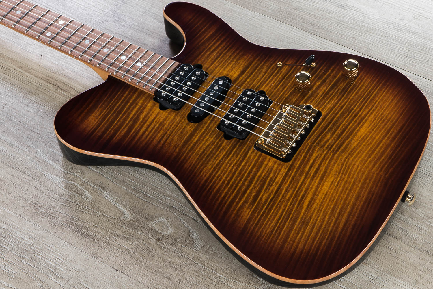 Suhr Modern T Custom Hsh Electric Guitar Flame Maple Top Roasted Maple Neck Hard Case Bengal Burst